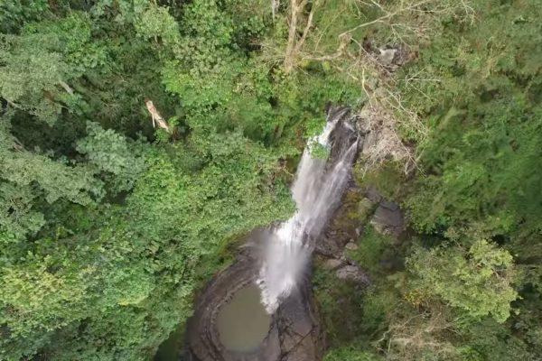 Cascadas de Juan Curí en Santander.