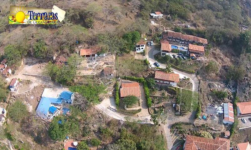 Hotel Terrazas de la Candelaria en San Gil visto desde un drone.