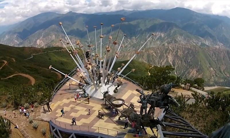 Parque Nacional del Chicamocha. Drones Sky Zoom.