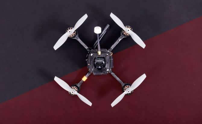 DRL RacerX es el dron más rápido del mundo al alcanzar los 288 kilómetros por hora.
