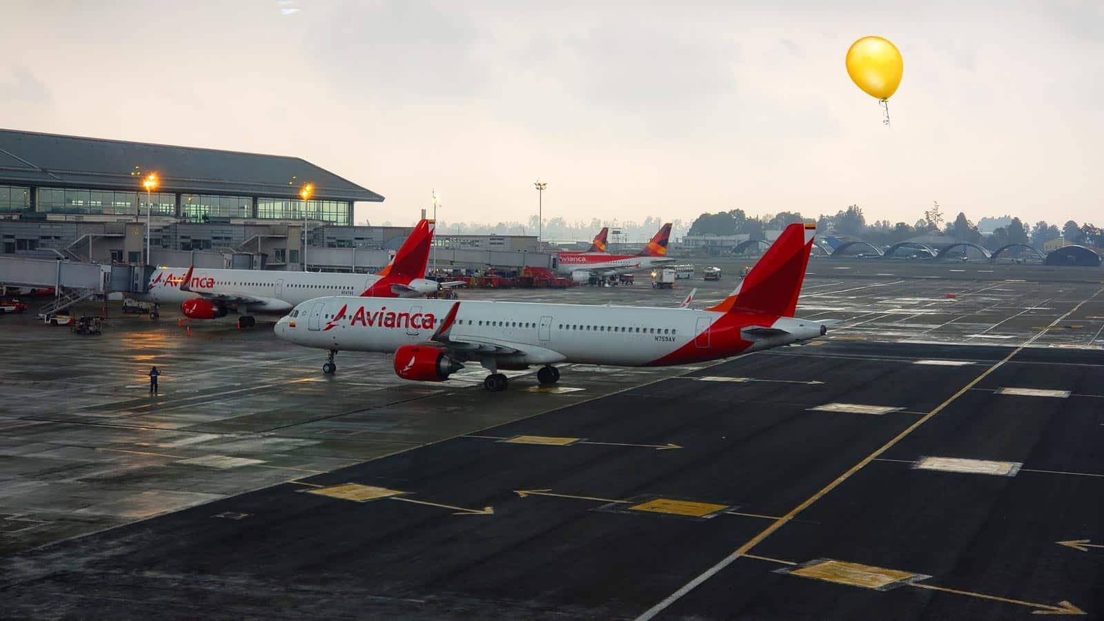 El Aeropuerto El Dorado de Bogotá canceló sus operaciones por el vuelo de un globo.