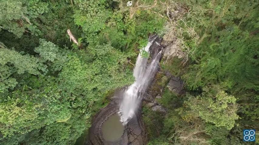 Cascadas de Juan Curí en Santander. Drones Sky Zoom.