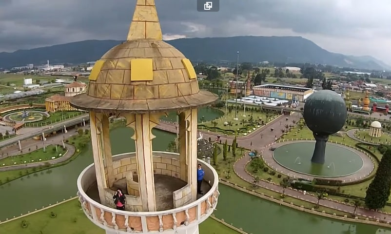 El Parque Jaime Duque desde un Drone. Sky Zoom.
