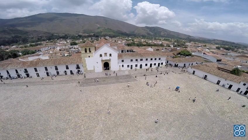 Plaza Principal Villa de Leyva Boyacá. Drones Sky Zoom.